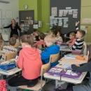 Randvere Kooli õpilased e-külalistunnis. Õpetaja viib tunni läbi koos külalisõpetajaga.jpg
