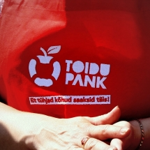 "Food Bank ""Your donation helps provide food aid to the poorest families!"""