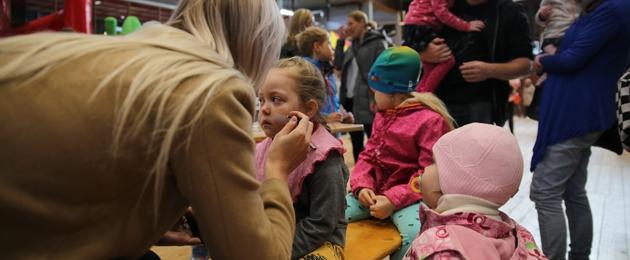 Võimalus TARTUS teha koos TÜK Lastefondi vabatahtlikega lastele näomaalinguid