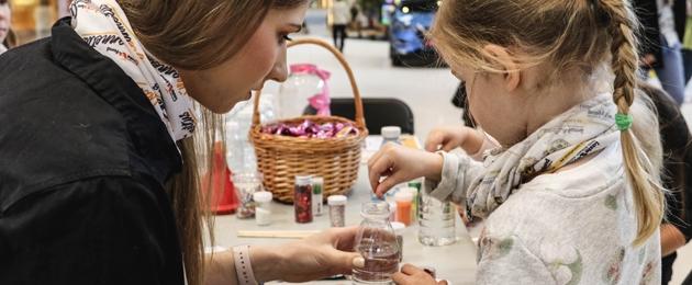 Võimalus TARTUS koos TÜK Lastefondi vabatahtlike ja lastega valmistada sensoorikapudeleid